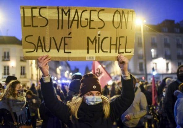 LIBÉRATION DES POLICIERS IMPLIQUÉS DANS LE TABASSAGE DE M. ZECLER