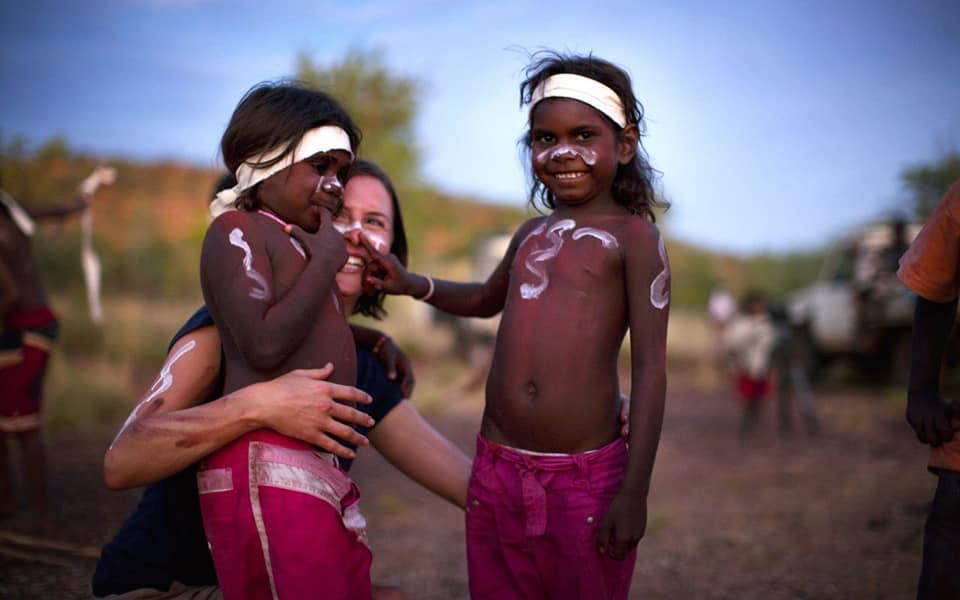 L'AUSTRALIE HONORE ENFIN LES ABORIGÈNES