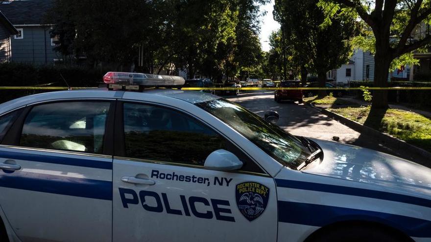 UNE FILLETTE VICTIME DE VIOLENCES POLICIÈRES